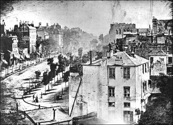 https://www.khanacademy.org/humanities/becoming-modern/early-photography/a/daguerre-paris-boulevard
